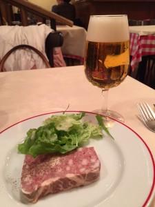 パリのワイン食堂1
